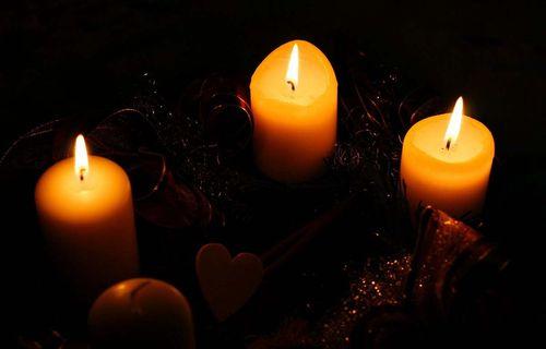 Trois-bougies-de-l-avent